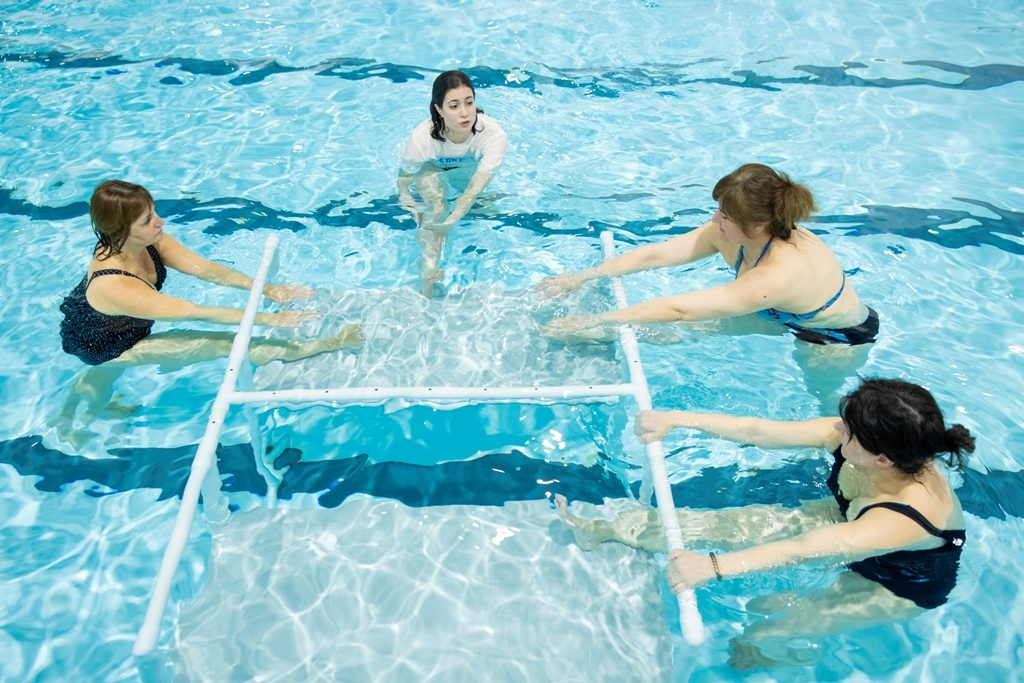 Benefits of water exercises for knees